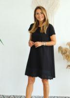 siyah-fisto-detayli-elbise