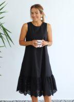 siyah-etegi-fisto-detayli-elbise