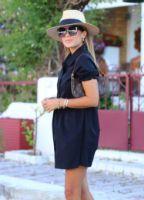 Elb1377xx.jpg-siyah-kolu-buzgu-detay-gomlek-elbise-ELB1377