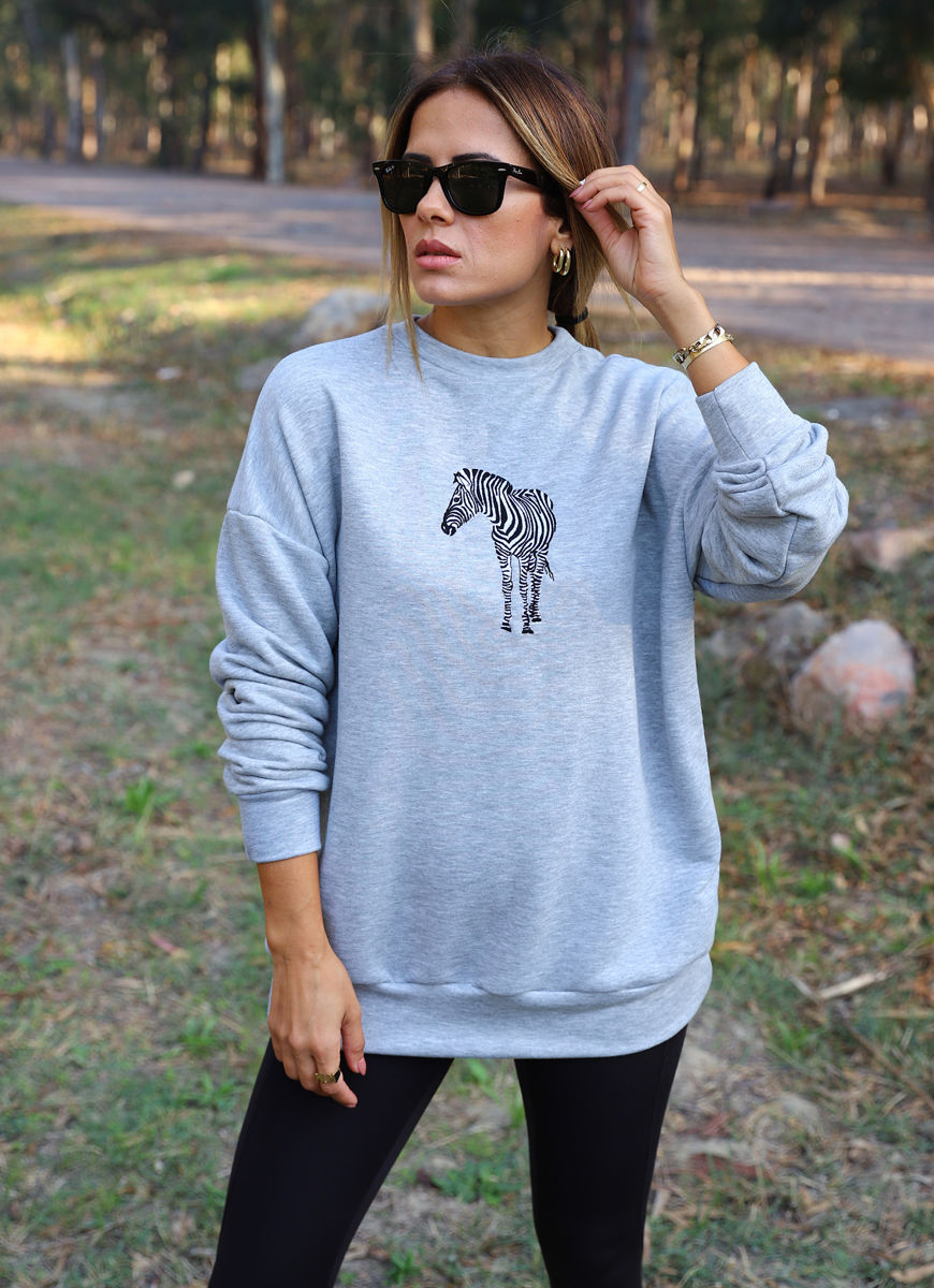 gri-zebra-desen-sweat